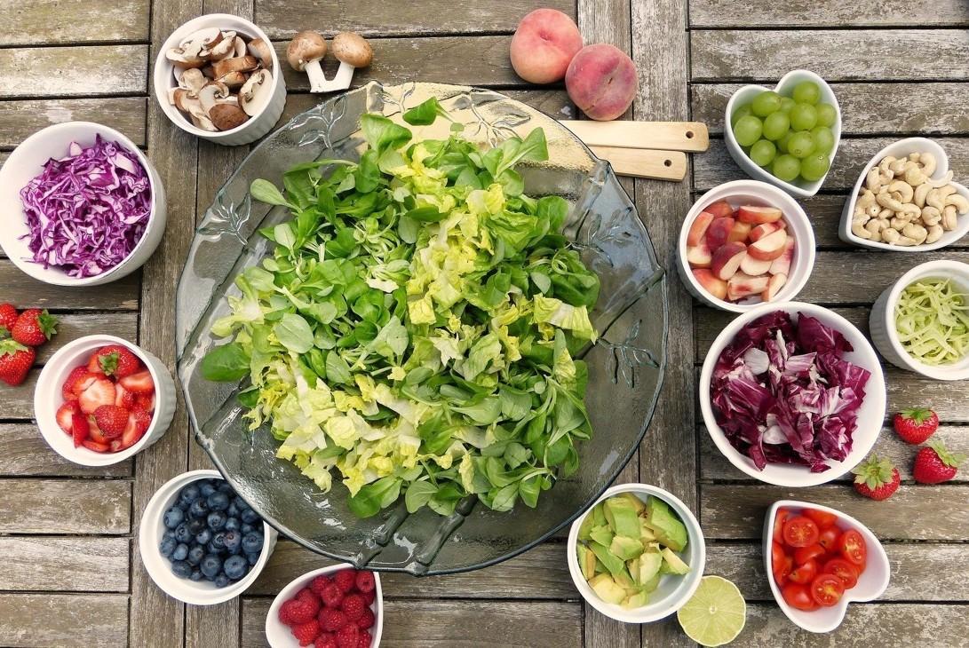 Dieta na dobry sen, czyli co powinniśmy jeść, a czego unikać, żeby dobrze i zdrowo spać