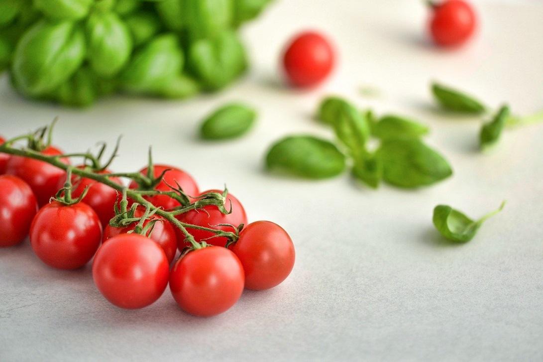 Znaczenie warzyw i owoców w diecie na płaski brzuch i przeciwstawieniu się otyłości brzusznej