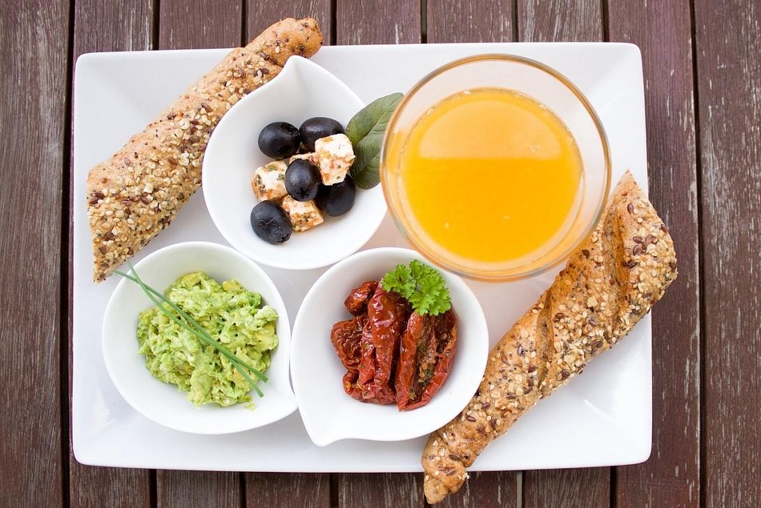 Zdrowe śniadanie i różnorodność posiłków - kolejny sposob na ochudzanie